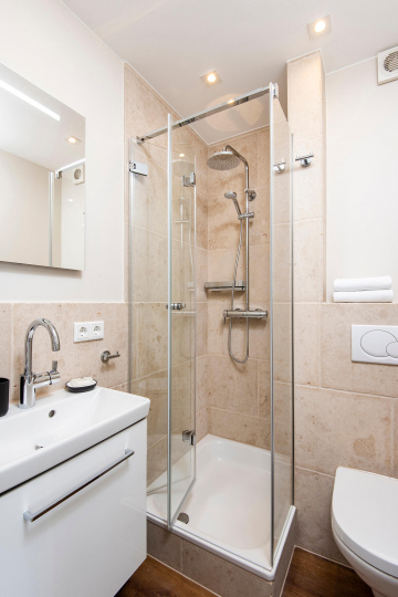 tiny-appartement westerland - badezimmer mit dusche